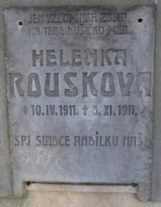 Nagrobnik Helene Rousek, hčere vodje pivovarne Oldřika Rouska
